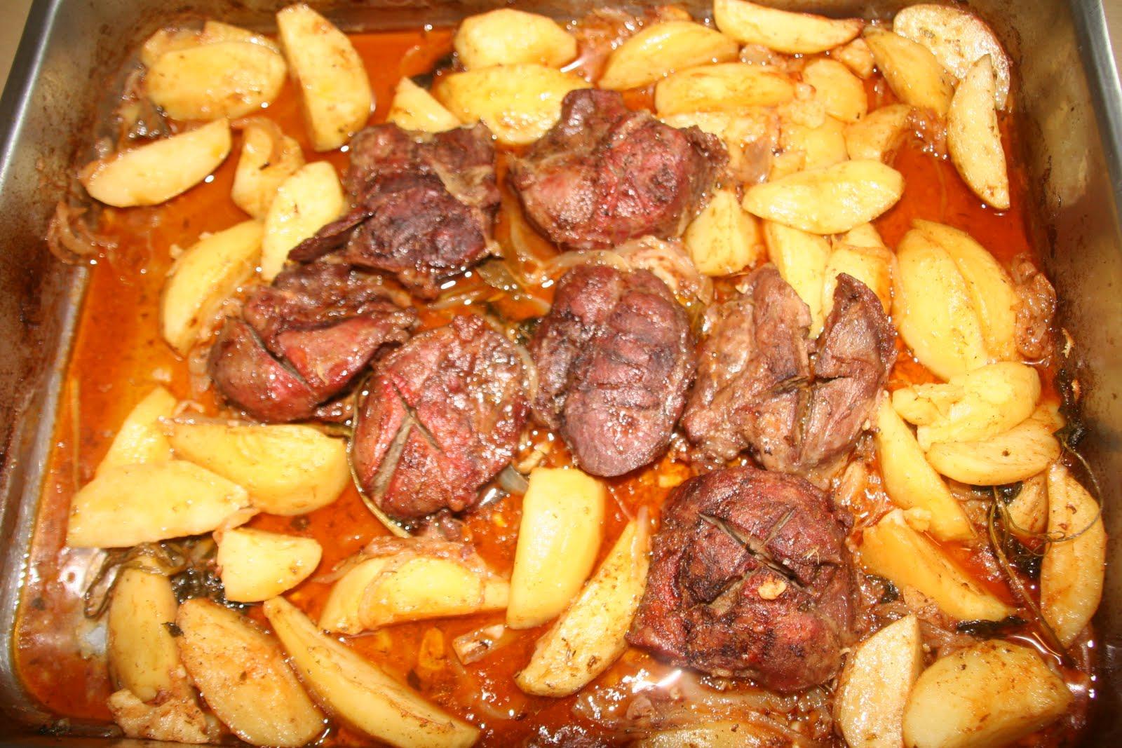 Bochechas de porco preto no forno