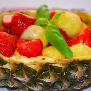 Salada de Morangos com Abacaxi