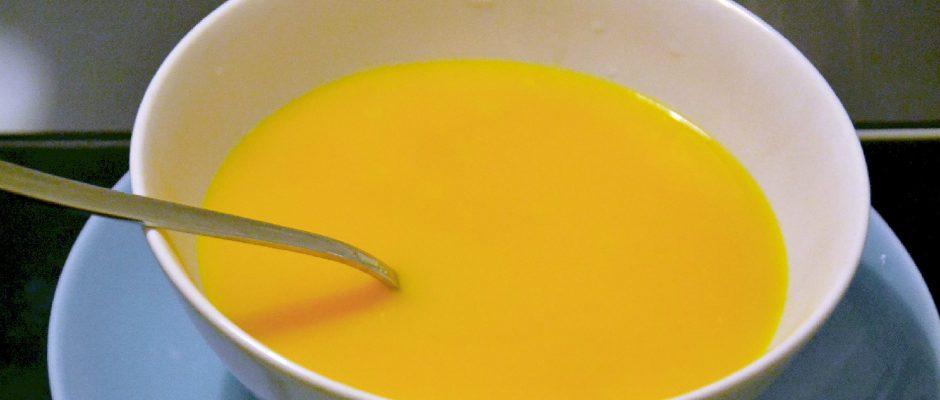 Creme de Cenoura com Massinhas