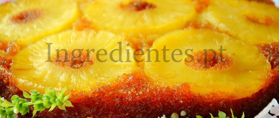 Bolo de Ananás Caramelizado